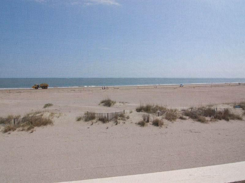 Port O'Call B-202 - Image 1 - Isle of Palms - rentals