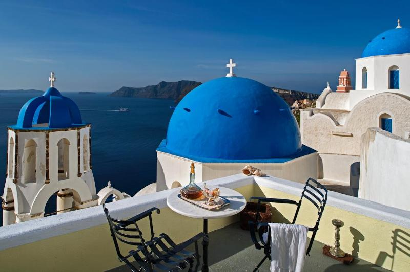 View from terrace - Turquoise tranquility Villa - Amazing view in Oia - Oia - rentals