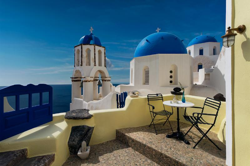 Patio on the ground floor - Turquoise tranquility Villa - Amazing view in Oia - Oia - rentals