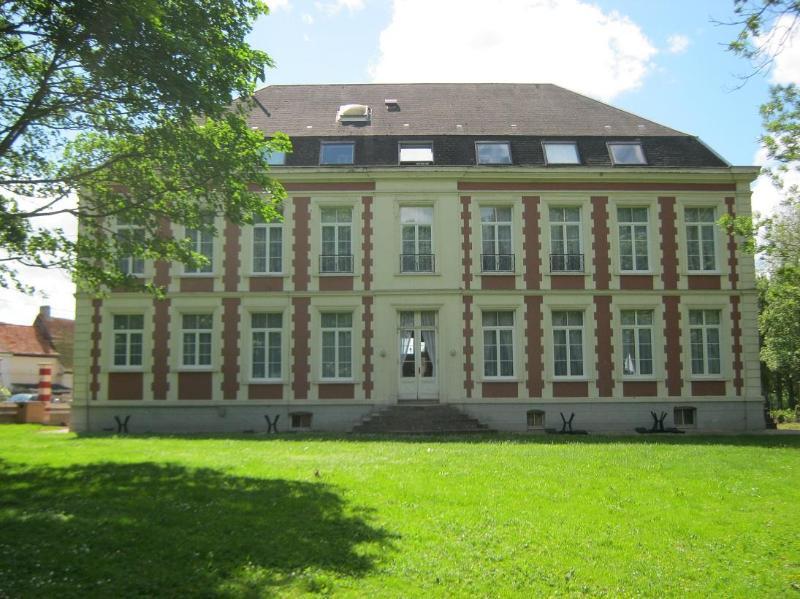 Chateau de Moulin le Comte, 4 EPIS B&B + dinner - Image 1 - Aire-sur-la-Lys - rentals