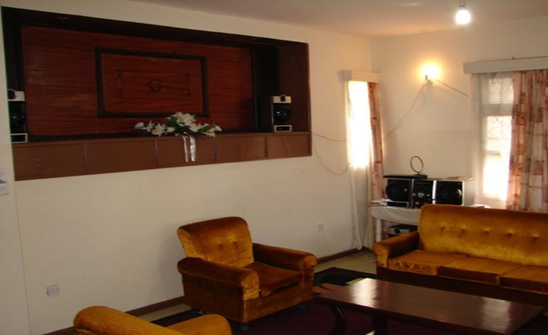 4 bedroom apartment Spacious Living Room with lake views and beautiful sunsets. - 4 bedroom Self catering Apartments,Kisumu,Kenya - Kisumu - rentals