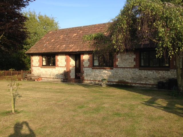 The Bungalow is quiet and secluded, at the rear of the main former farmhouse. - The Bungalow, Lower Church Farmhouse, near Bath - Bath - rentals