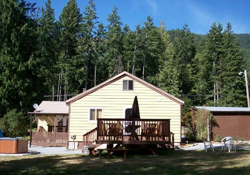 EXTERIOR FROM BACK ACREAGE IN SUMMER - WILDWOOD AT MT. RAINIER - Ashford - rentals
