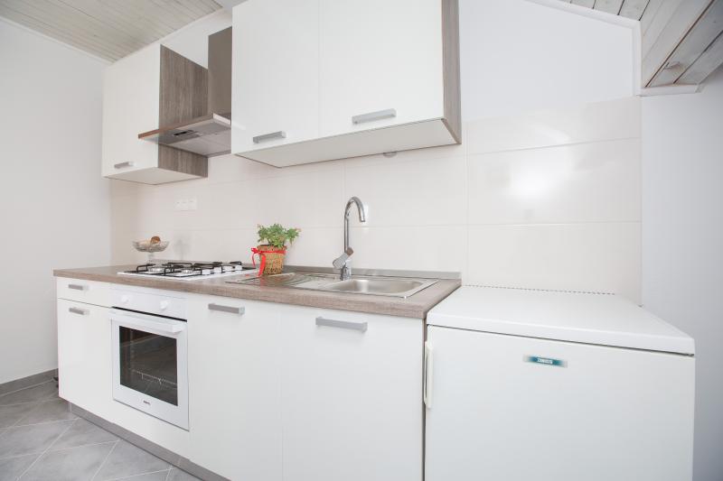 Nice apartment 2 +2 - Image 1 - Podstrana - rentals