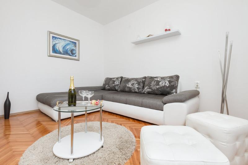 Living room - Resort*s Place - Split - rentals