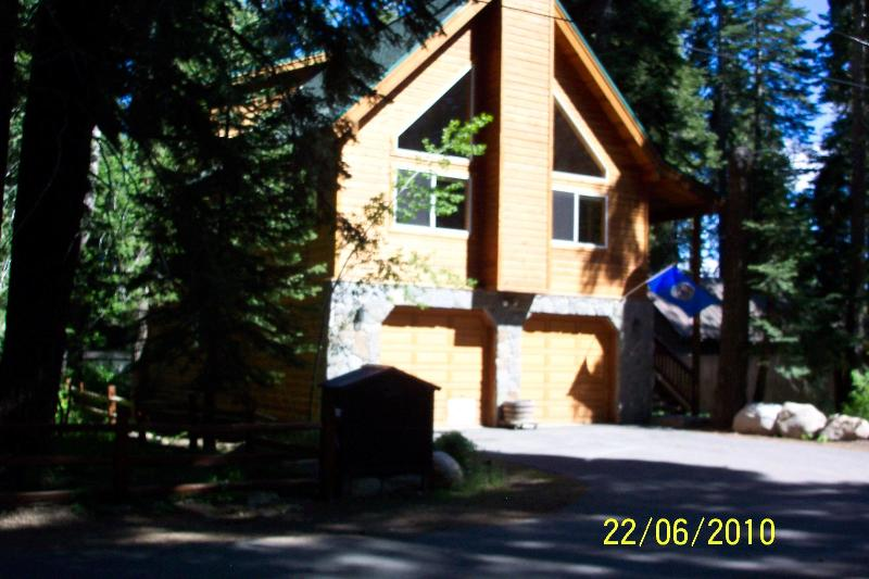 """Eagles Nest"" Large Lakeside Cabin Like New! - Image 1 - Homewood - rentals"