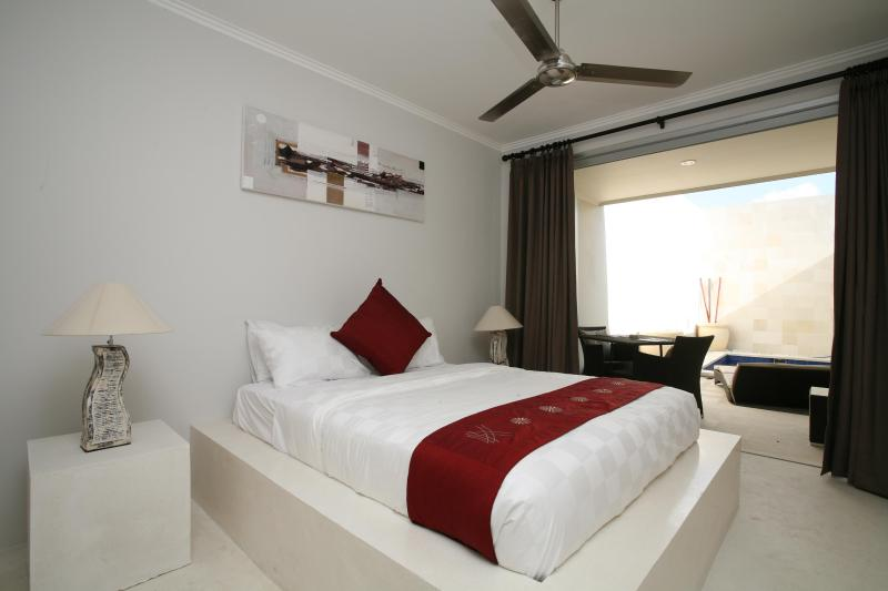 Master Bedroom - Kuta Regency Villa ( 1 Bedroom PRIVATE POOL) - Kuta - rentals