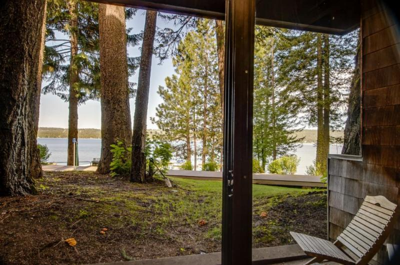 Lake views and & a shared pool await from this wonderful lakefront home - Image 1 - McCall - rentals