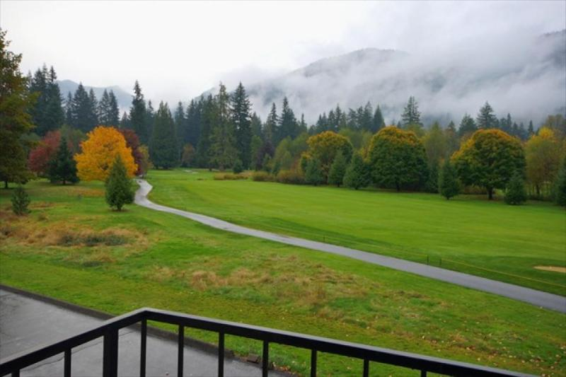 Clear Hills Condo #667 - Image 1 - Welches - rentals