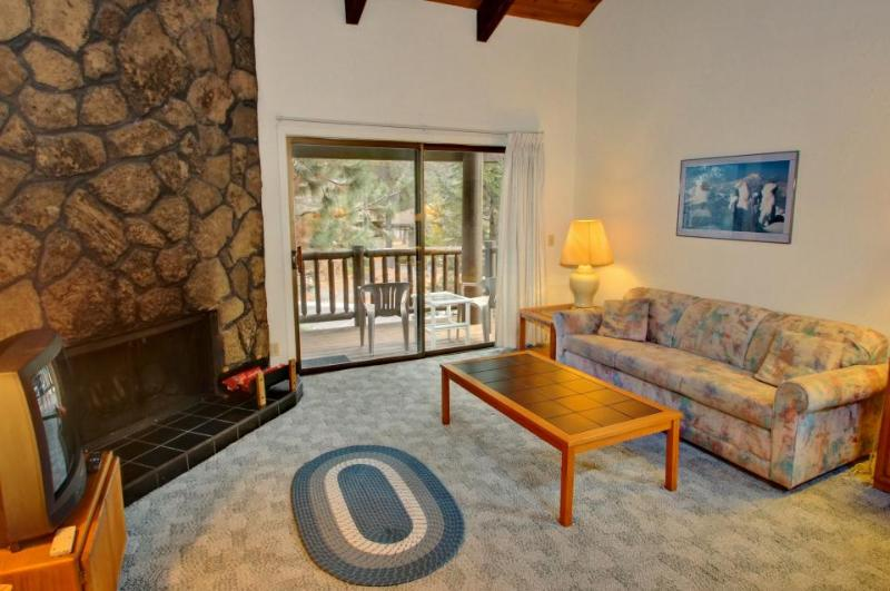 Pet-friendly studio w/ SHARC passes, near Mt. Bachelor! - Image 1 - Sunriver - rentals