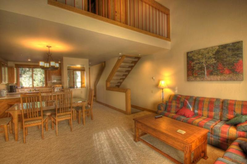 Shuttle to Northstar for free from this condo; shared pool and hot tub included. - Image 1 - Truckee - rentals