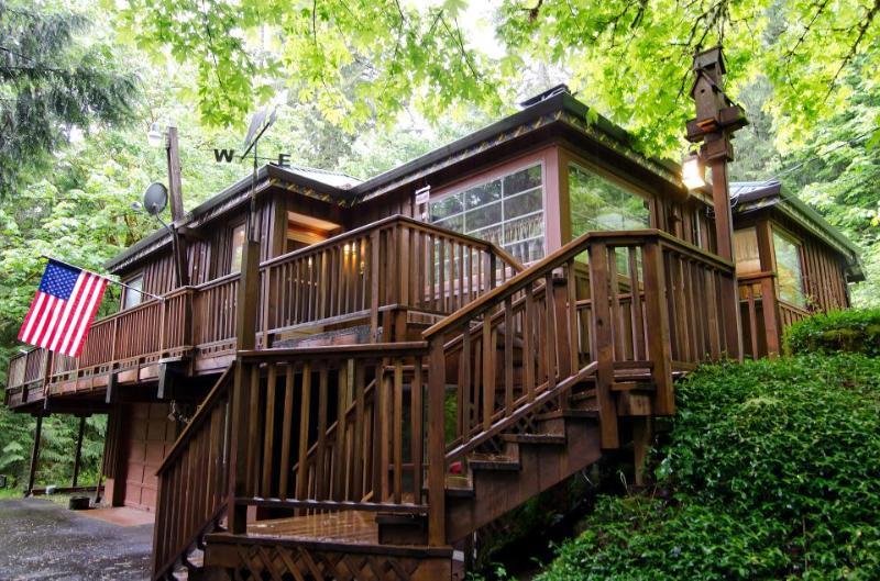 Barlow Creekside Lodge - Image 1 - Rhododendron - rentals