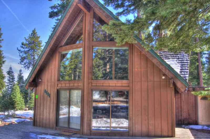 Gorgeous hilltop home with space for 12, close to everything - Image 1 - Tahoe Vista - rentals