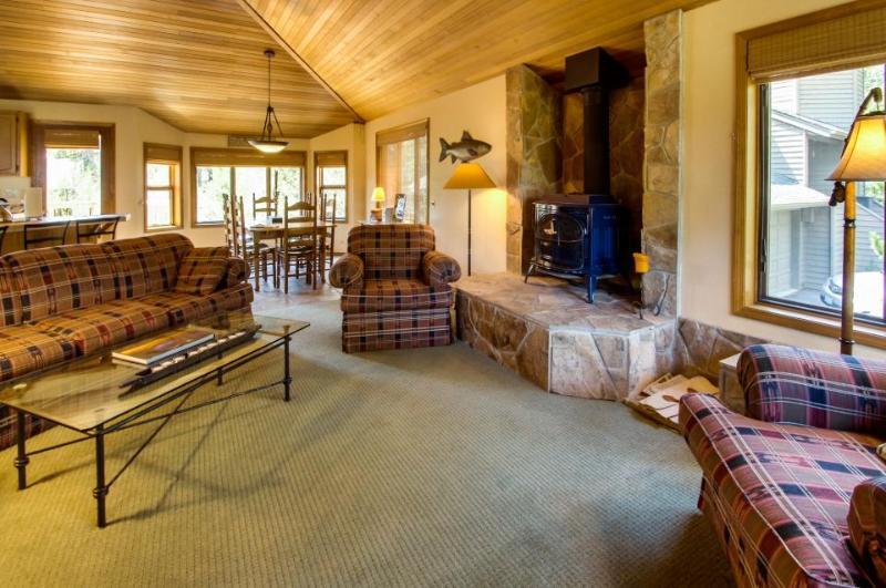 2 Tan Oak - Image 1 - Sunriver - rentals