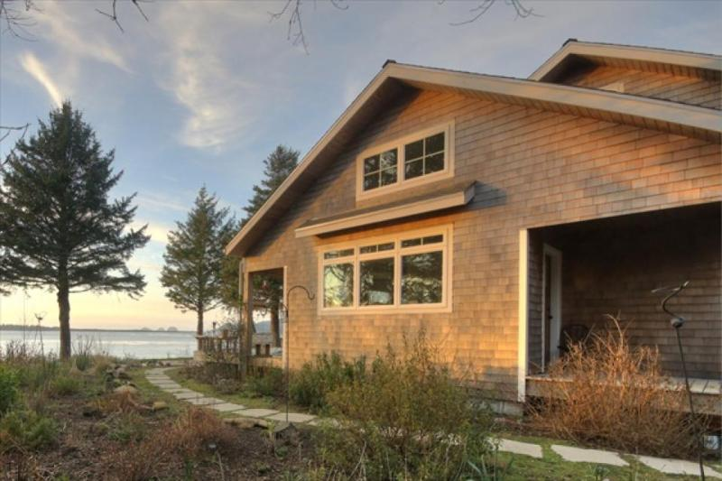 Pet-friendly beach home with amazing views, sauna, & Jacuzzi - Image 1 - Netarts - rentals