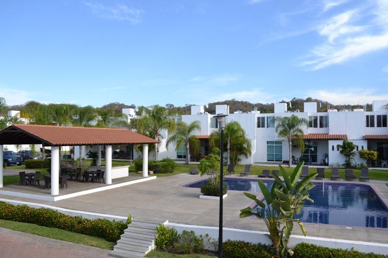 Swimming Pool just outside - Beautiful Town House, Bucerias Terralta 3 Concha 2 - Bucerias - rentals