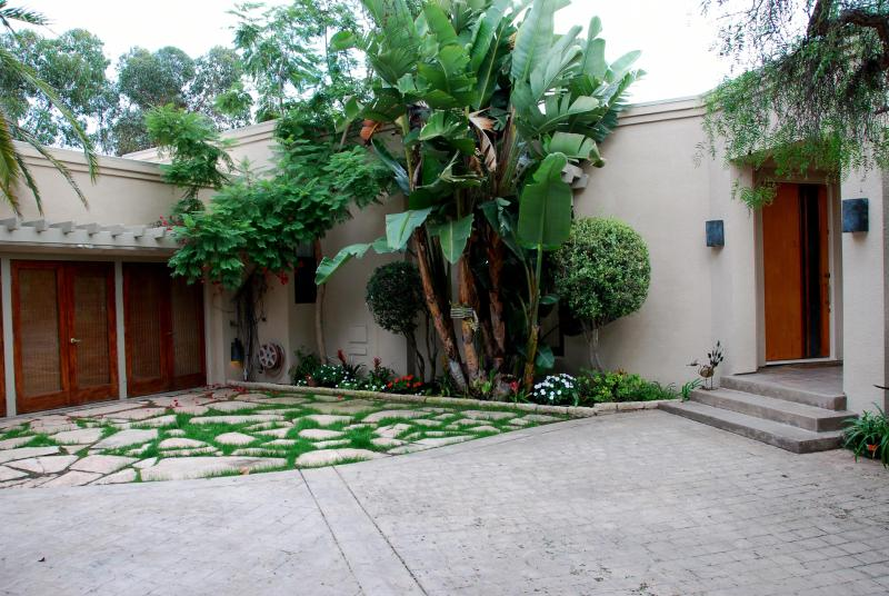 Beautiful contemporary in Mission Hills San Diego - Image 1 - Pacific Beach - rentals