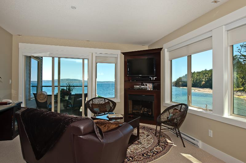 A million dollar view! - Spectacular Five Star Oceanfront Penthouse - Nanaimo - rentals