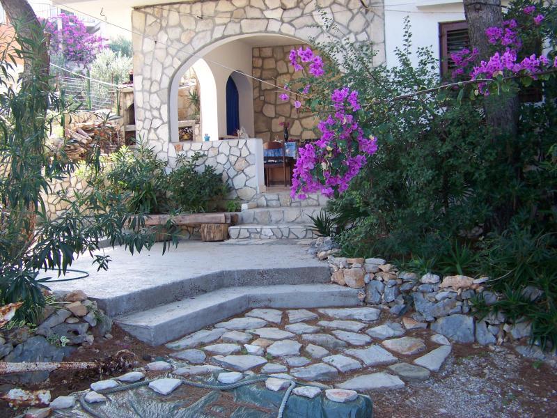 Mirisni dvori - Image 1 - Solta - rentals