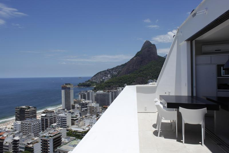 Rio004-Penthouse in Leblon with breathtaking views - Image 1 - Ipanema - rentals