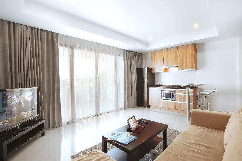 Living Room and Kitchen - Seaview apartments in Surin Beach, Phuket - Phuket - rentals