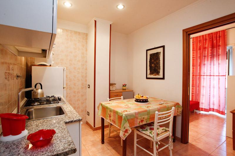 Duplex Trastevere with balcony up to 8 pax - Image 1 - Rome - rentals