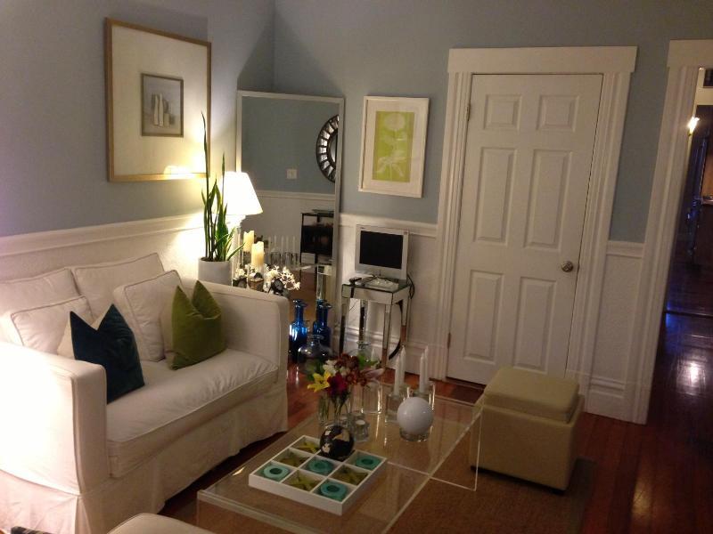 Front Sitting Room - ArtFilledFlat - Lots of Frills - See Youtube Video - San Francisco - rentals