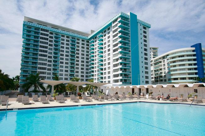 resort exterior, pool side - JR 2 BR 2 Bathroom located right on the Beach!~ - Miami Beach - rentals