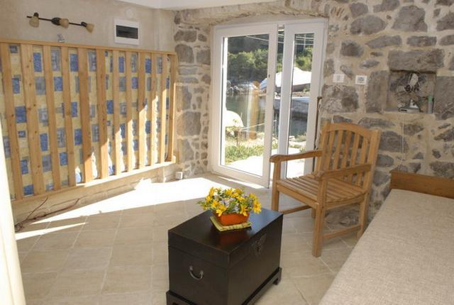 Fisherman's house in Tivat Bay - Image 1 - Nis - rentals