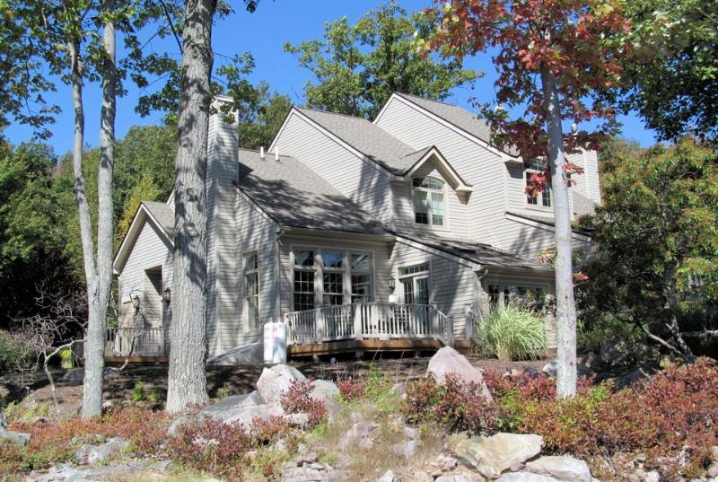 480 Laurelwoods~At Big Boulder Lake and Ski Area - Image 1 - Lake Harmony - rentals