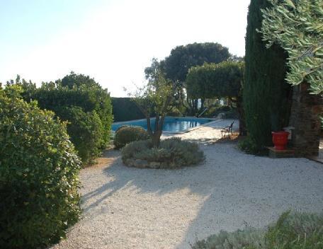 Cavalaire Sur Mer 4 Bedroom Villa with a Pool - Image 1 - Cavalaire-Sur-Mer - rentals