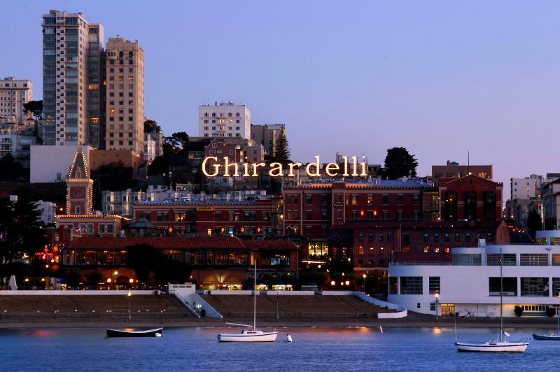 Stunning Location Overlooking SF Bay - 5 Star Fairmont Heritage Ghirardelli Square - San Francisco - rentals