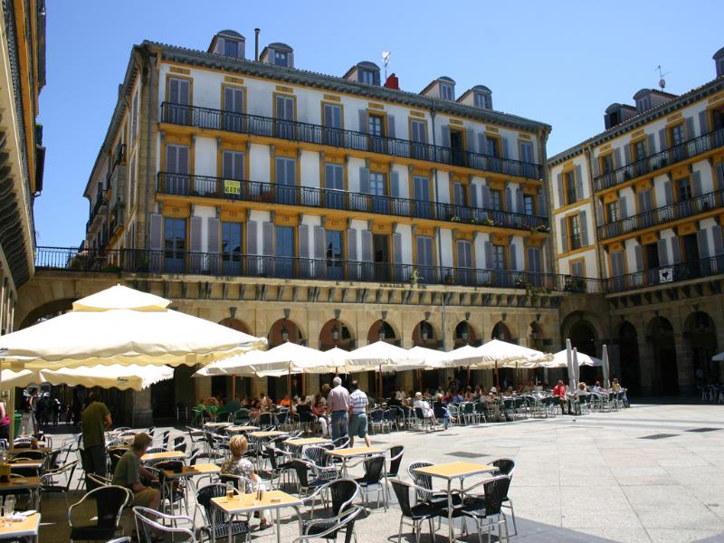 Right in the middle of the Old Town, this property is part of the history of San Sebastian - OLD_TOWN::Historic center of town apt 4p. Beach - San Sebastian - Donostia - rentals