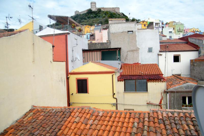 View from the terrace - House with a view to medieval castle - Bosa - rentals