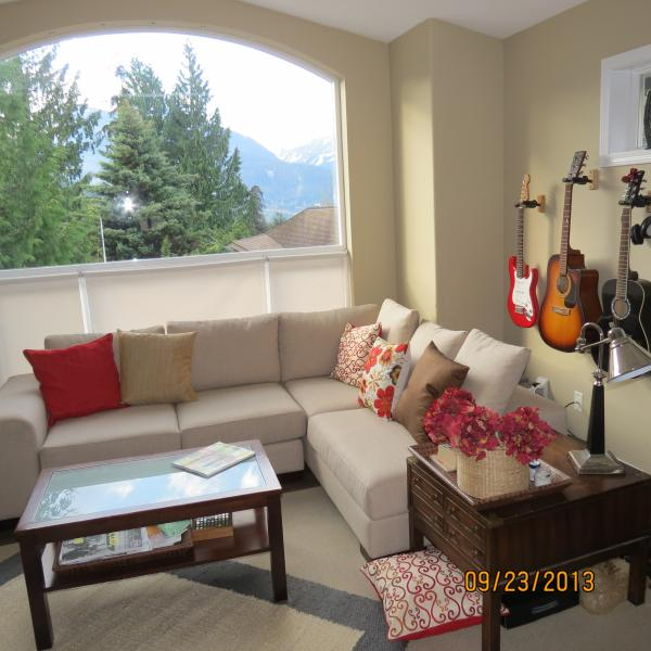 3 Bdrm Mountain View Home - Squamish near Whistler - Image 1 - Squamish - rentals