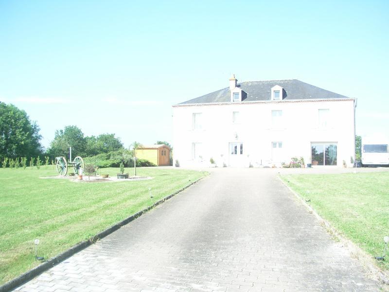 La Belle Echappee, Magnificent Manor House, 5 beds - Image 1 - Poitou-Charentes - rentals