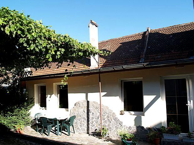 outside in the yard of Casa Romanita - Holiday house for 2-5 persons, urban oasis in city - Brasov - rentals
