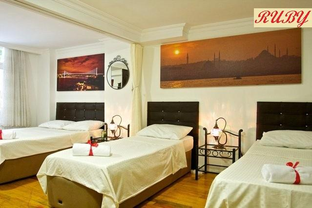 Large bedroom which can acommodate up to 8 people - A Ruby on the best street of Cihangir - Istanbul - rentals