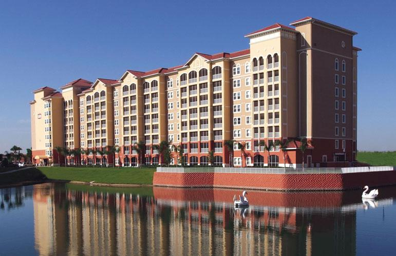 Exterior and Swan Lake - 3br Orlando, Kissimmee Disney Rental - Westgate Town Center - Kissimmee - rentals