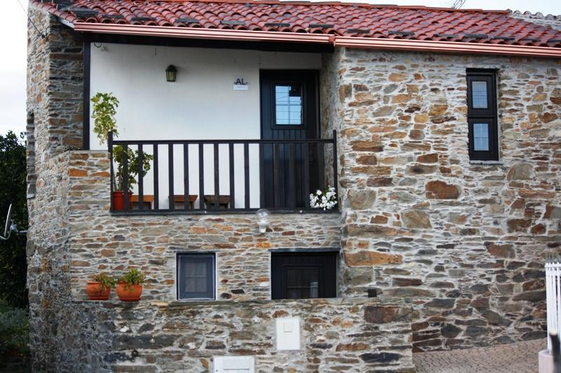 Grandmother's House: Country House By Stone Places - Image 1 - Proenca-a-Nova - rentals
