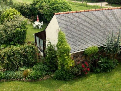 The cottage set amongst beautiful gardens - Cute seaside cottage set in prize-winning gardens - Plougasnou - rentals