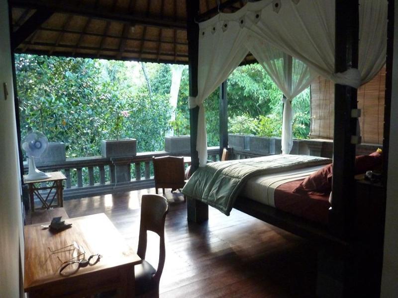 Top floor bedroom suite is fun space to live in. - Honey Tree Villa- Life is sweet! - Kedewatan - rentals