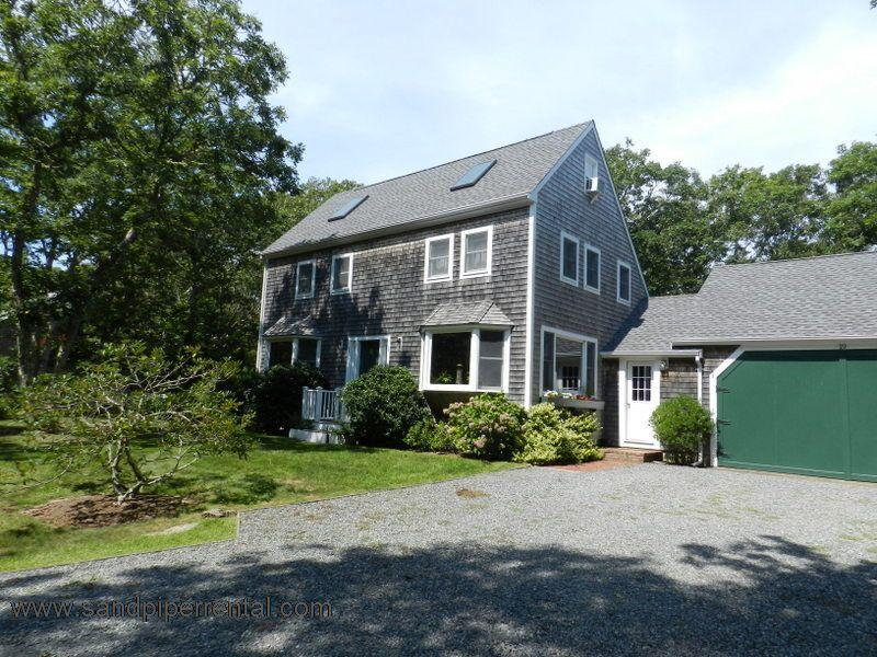 #7781 Comfortable vacation home with association tennis - Image 1 - Edgartown - rentals