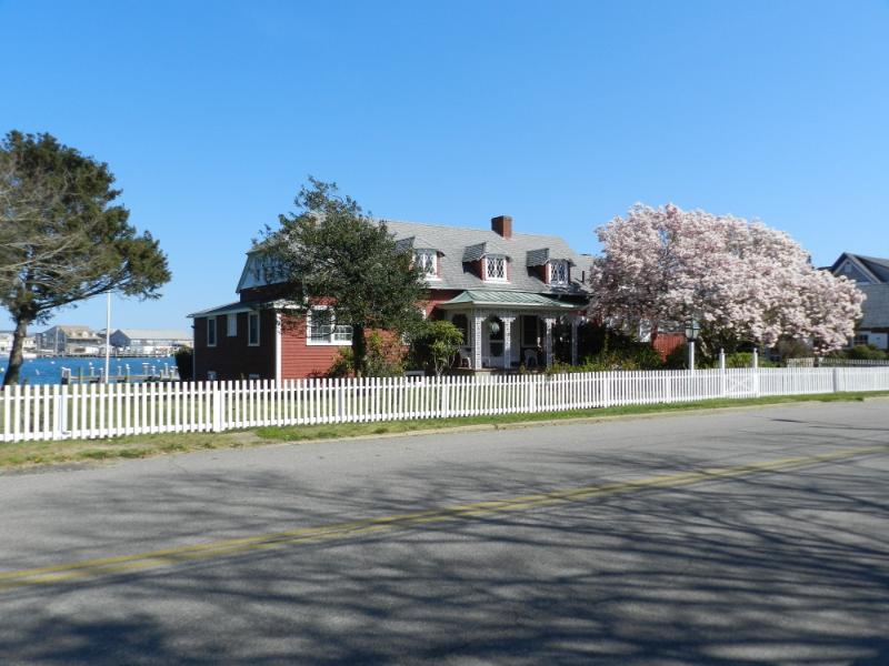 #8154 Oak Bluffs Harborfront Home W/ Deep Water Dock - Image 1 - Oak Bluffs - rentals