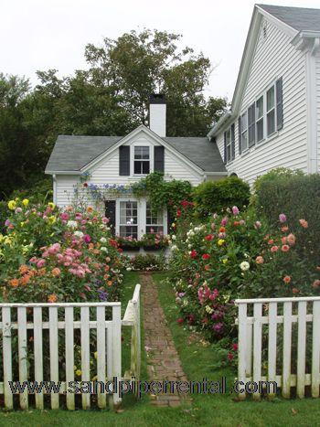 #30 Historic Edgartown Home Once Owned By Emily Post - Image 1 - Edgartown - rentals