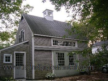 #1212 Charming carriage house is an ideal mix of old & new - Image 1 - Vineyard Haven - rentals