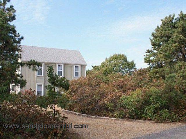 #7116 Super location in private and quiet Edgartown Estates - Image 1 - Edgartown - rentals