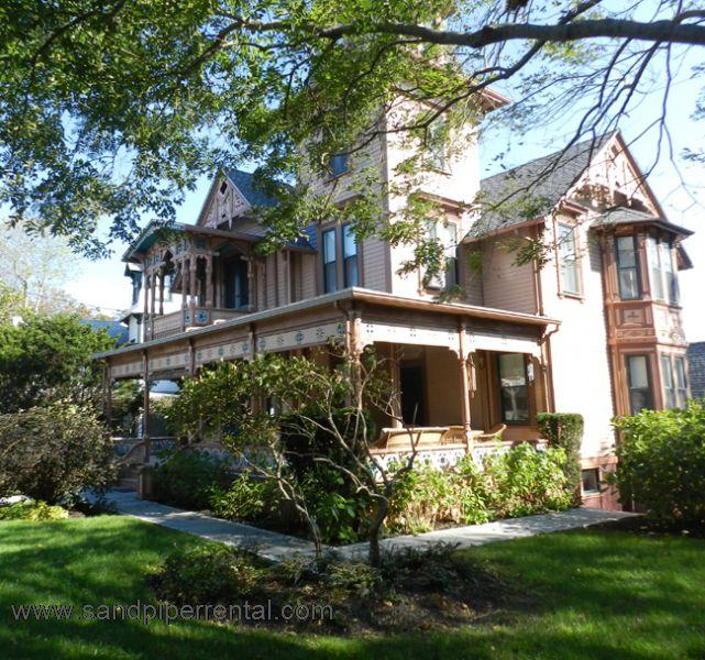 #8133 Recently Renovated 3BR Home Located In Oak Bluffs - Image 1 - Oak Bluffs - rentals