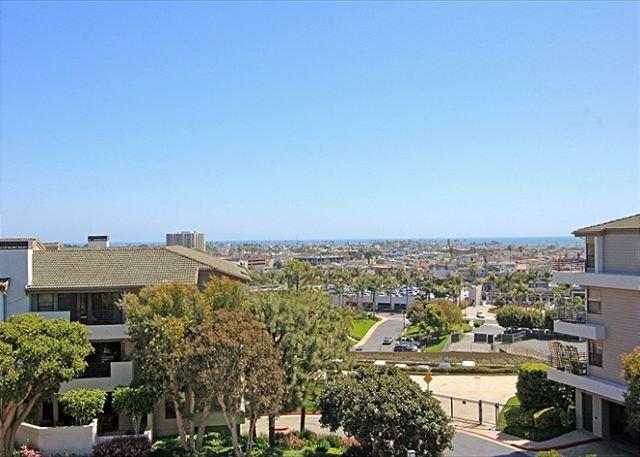 Oceanview Hilltop Condo with Pools and Gym! (68313) - Image 1 - Newport Beach - rentals