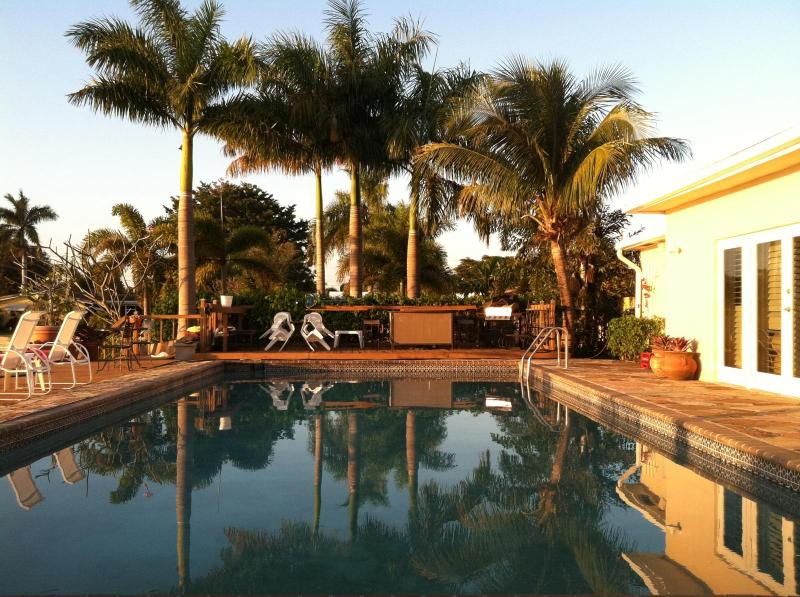 Private Pool is 40' X 20' - ~ ~ ~ TROPICAL POOL HOME on TRANQUIL LAKE ~ ~ ~ - Fort Lauderdale - rentals
